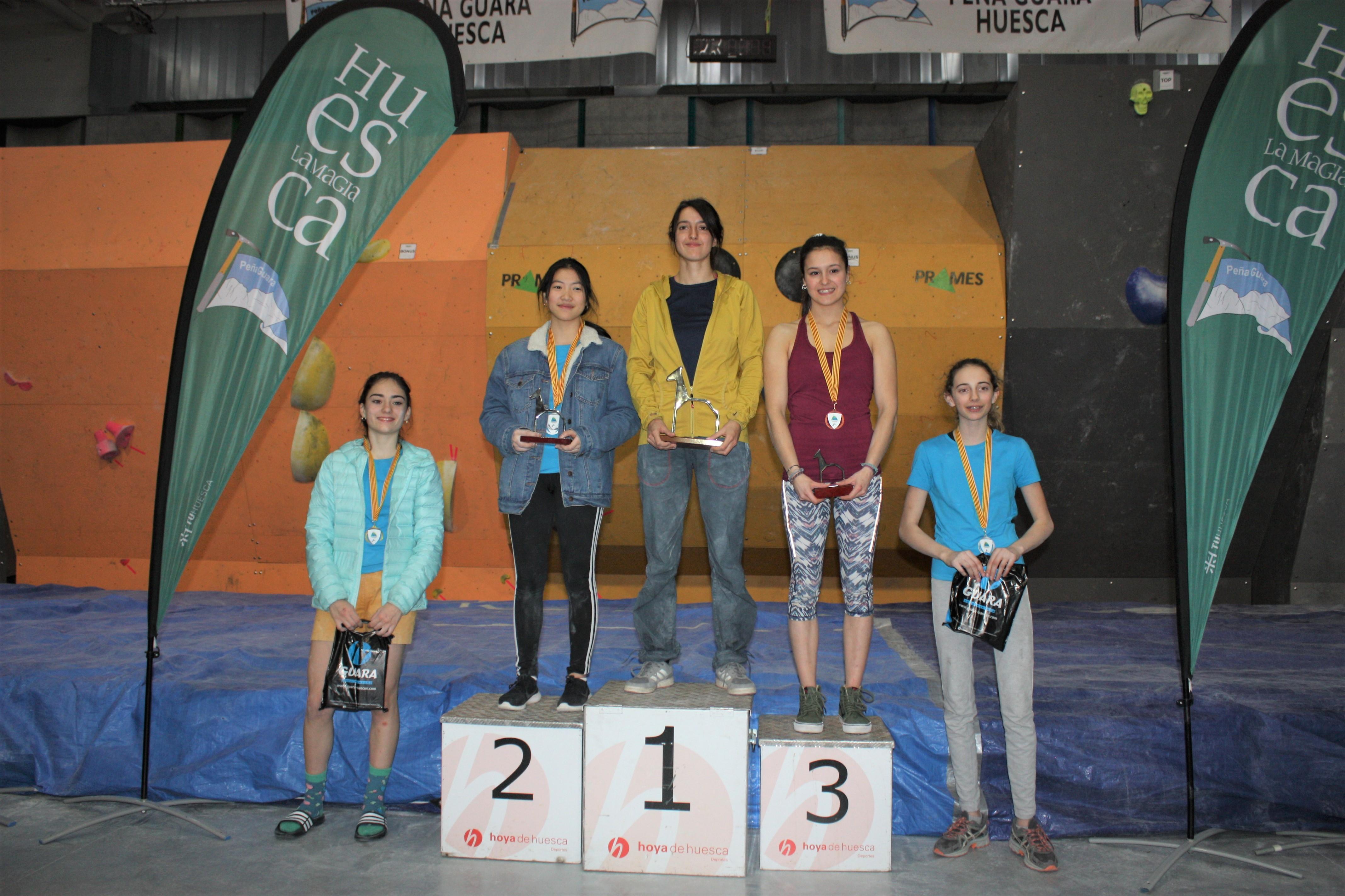 Podium femenino (De Izd a dcha)- Maria Laborda (4), Laura Pellicer (2), Rebeca Pérez (1), Carlota Martínez (3) y Edurne García (5)
