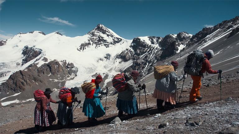 El documental Cholitas se podrá ver el 17 de febrero en el Teatro Olimpia